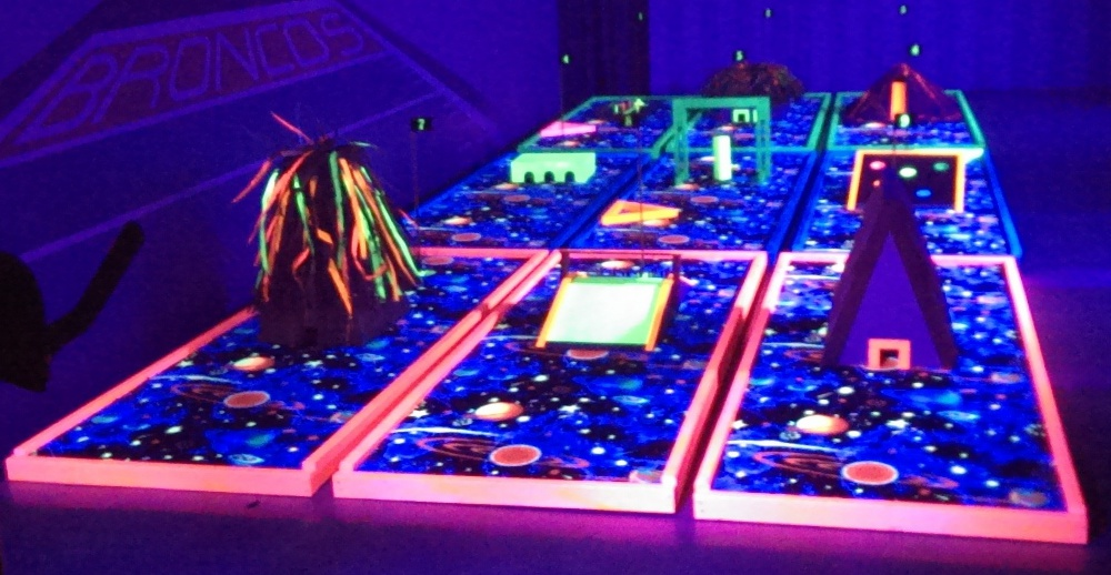 Amusement Wholesale Blacklight Mini Golf